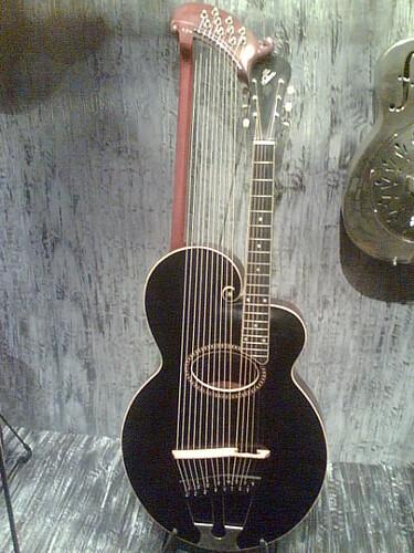 Guitare_harpe